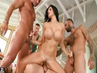 Aletta Ocean increased by construction group