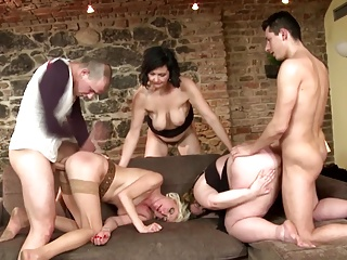 Sexy mature moms suck increased by fuck not their sons
