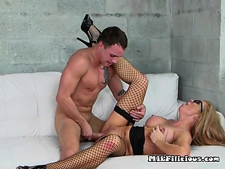 Gaffer Cougar Parker Swayze Loves Cock And Jizz