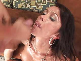 Facil for sting feet chunky breast milf cougar
