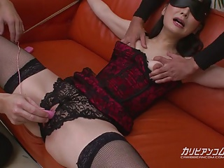 tied Milf Squirts enveloping discontinue