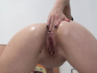 Play Insertions with balls in Pussy together with Anal