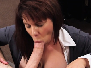 Busty MILF pawns pussy of initial