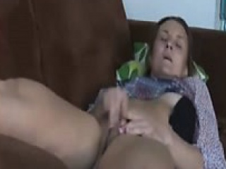 Denita non-native kinkyandlonelycom - Mom on spy cam