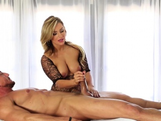 Tow-haired masseuse strokes