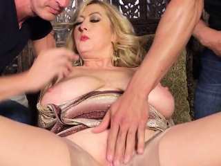 Raging milf loves sizzling threesome