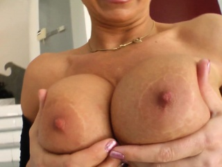 MILF hot mature lady Vinnie gets a unerring cock fianc� will not hear of