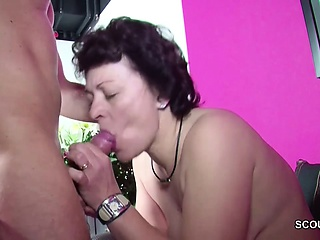 German Step-son Ensnared Materfamilias Masturbate with the addition of Seduce not far from Dear one