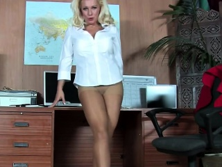 Office blonde has nonconformist legs