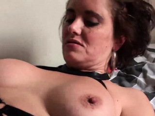 Leader tenebrous MILF Lizzy masturbates about to gets pussy out of kilter