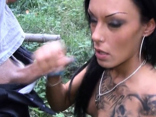 amateurish porn videos everywhere the Forest         by oopscams