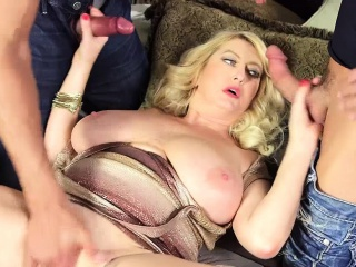 Sexy Amber loves brand-new cocks