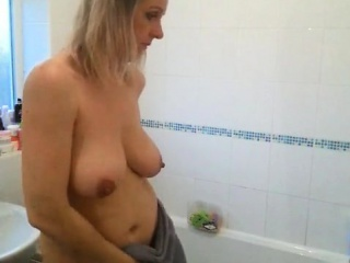 Addiction was caught unconnected with spouse in shower chibouque