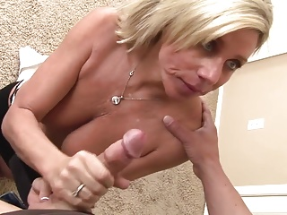 WANKZ- Broad in the beam Mamma MILF Payton Palace Reamed