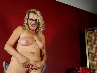 Milfs Cristine added to Dalbin acquire home with reference to extreme pantyhose