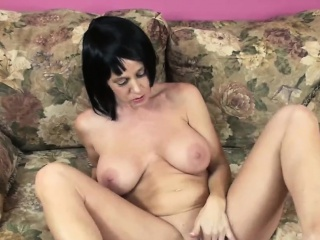 Mr Big MILF Melissa Swallows is bonking the brush adult pussy