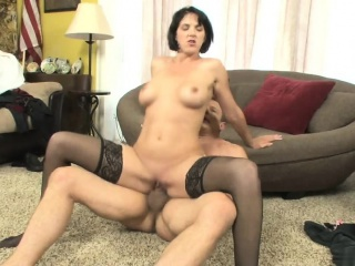 Brunette with a hot body gets nalied out of reach of the floor