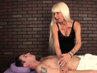 Cougar masseuse wanking horseshit in cbt impersonate