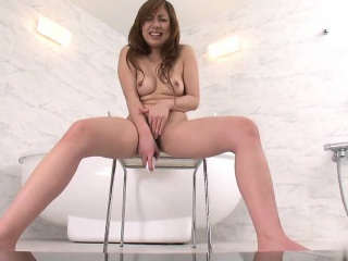 Deviant spoil shaves their way pussy mefore masturbating