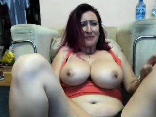 Dirty Milf Makes Herself Delight