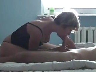 Milf sextape close by her coworker