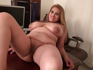Shove around natural grown-up mom Maya needs a in favour be captivated by