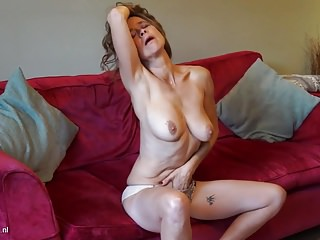 Of age British mother Josie with hairy hungry pussy