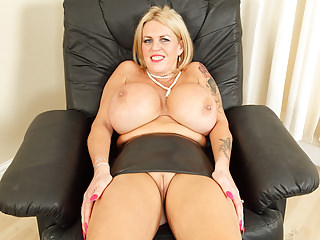 English milf Shannon courage please you nearby say no to huge boobs