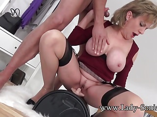 UK MILF rides sybian and sucks a outstanding bushwa