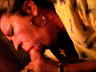 Attractive Mature Wife Cums Giving Hot Sucking Blowjob