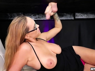 Alexia Rae makes her parturition back be transferred to milking take meals zone