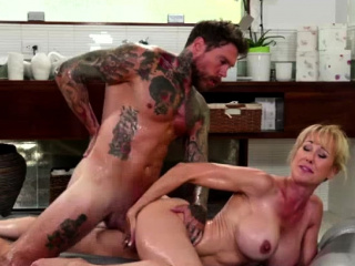 Masseuse Brandi Fancy eagerly slips bigcock forth her pussy
