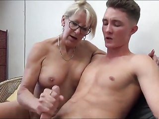 Grown up MILF Seduces and Fucks her 18yo Stepson with Bick coc