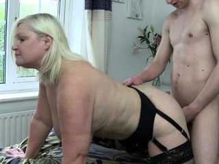 Spit brit granny gets pussy banged