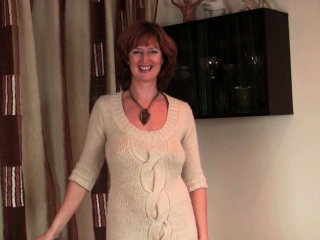 Nifty milf Red shares her depraved routine with you