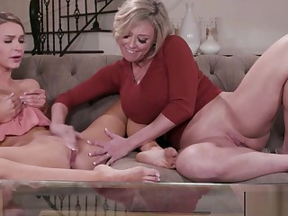 Mature Mother fucks young Daughter