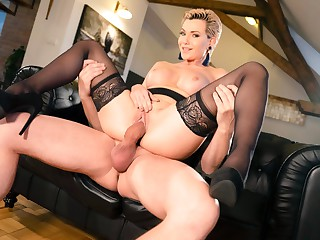 Subil Arch upon Russian MILF romanced upon stockings - SexyHub