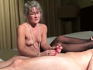 Best clumsy Mature, Handjob xxx glaze