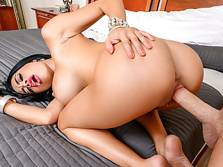 Victoria June in Spanish Improper Talking Stepmom - LatinaSexTapes