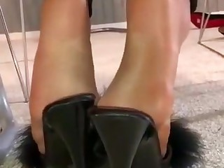 Jeans nylon feet with the addition of soles