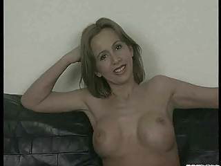 Hot Down in the mouth Milf Loves Desirable !
