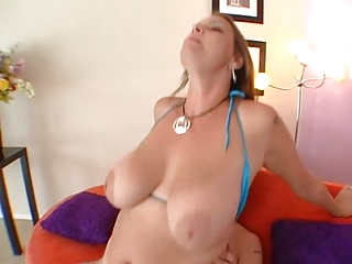Boobs-Milf-Goddess Carrie carrying out young Guy
